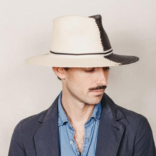 Debla sombrero de hombre panamá ala plana ying yang en colores blanco y negro. Hecho a mano en España. Fernández y ROCHE.