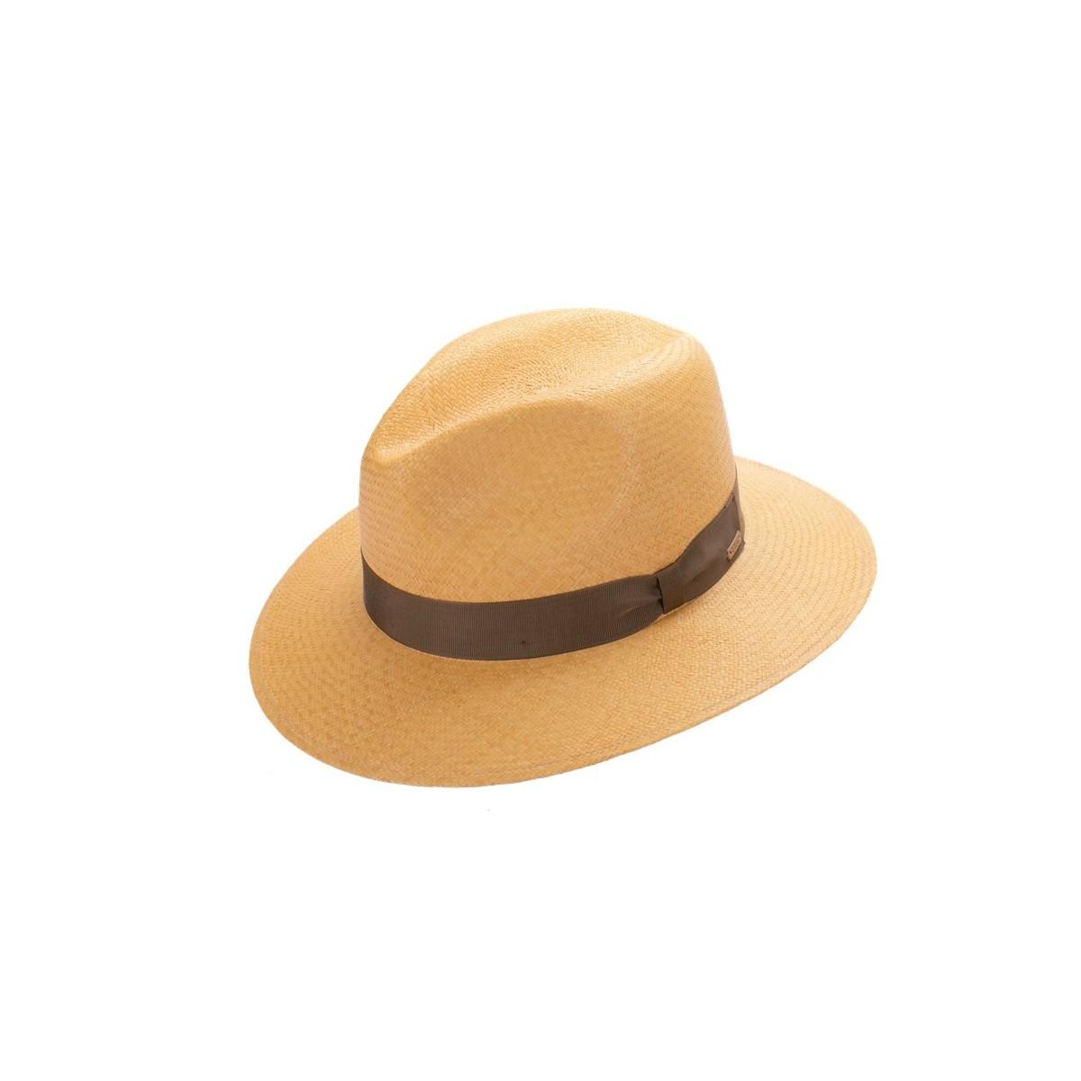 Uriel Sombrero de hombre panamá copa Fedora en color habano y cinta marrón chocolate. Fernández y ROCHE