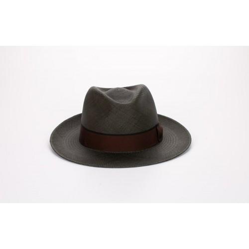 Florián sombrero de hombre panamá color verde seco y cinta marrón y lazada clásica. Hecho a mano en España. Fernández y ROCHE