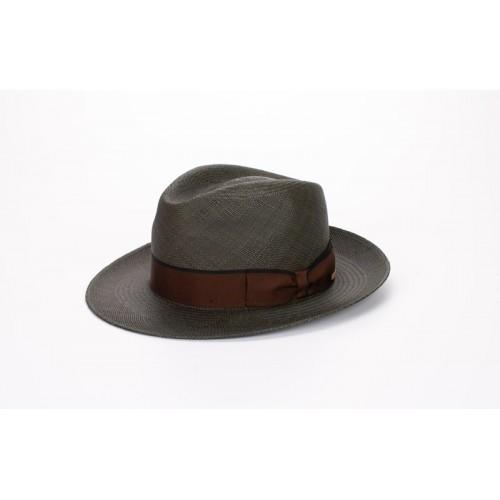 Florián sombrero de hombre panamá color verde seco y cinta marrón y lazada clásica. Fernández y ROCHE