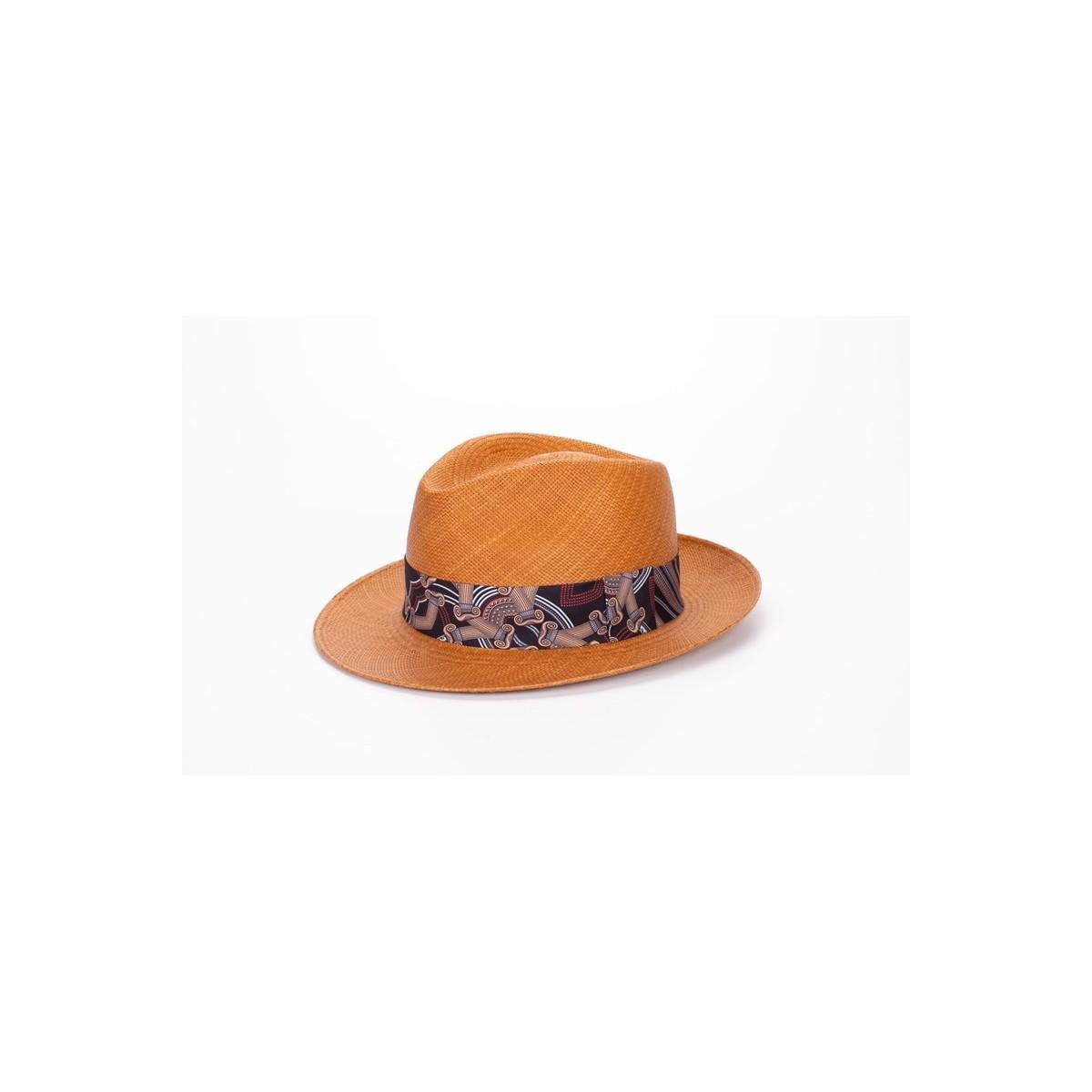 Frederic sombrero de hombre panamá estilo Fedora color naranja y cinta estampada. Fernández y ROCHE