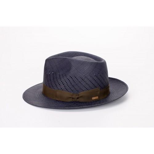 Maltés sombrero de hombre panamá de verano copa calada color azul y cinta camuflaje. Lateral. Fernández y ROCHE