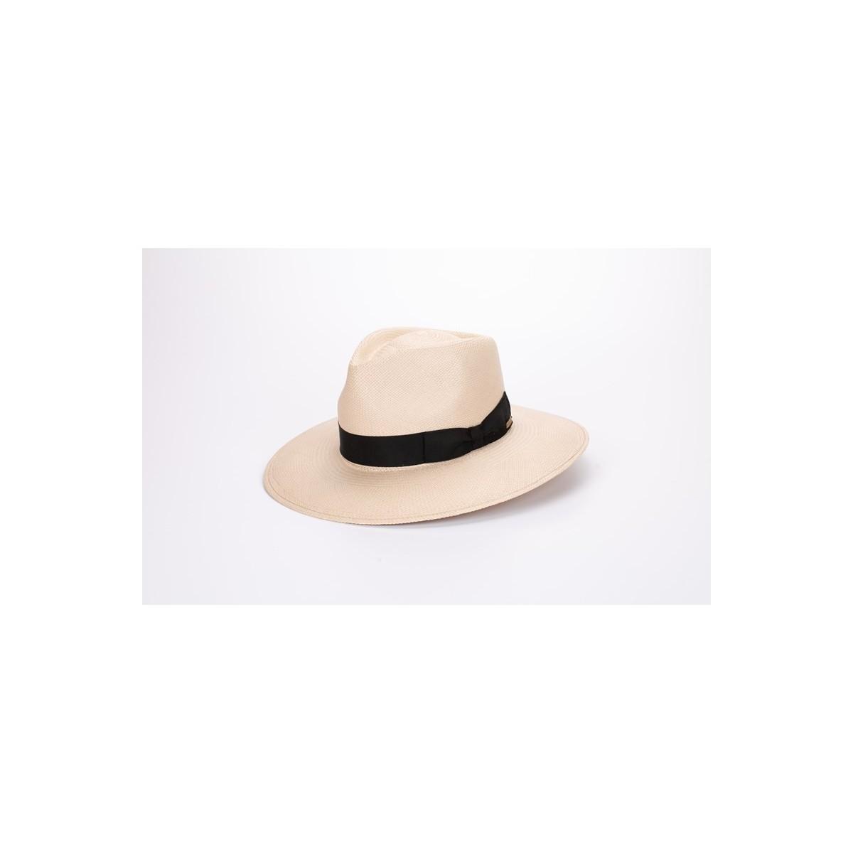 Galo sombrero de hombre panamá estilo traveller color nude y cinta negra. Fernández y Roche