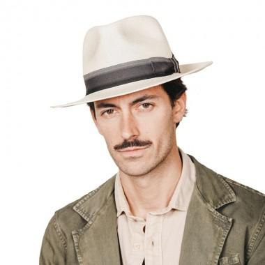 Bour sombrero de hombre panamá para el verano color natural y cinta de rayas grises. Fernández y ROCHE