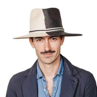 Debla sombrero de hombre panamá ala plana ying yang en colores blanco y negro. Fabricado con paja toquilla. Fernández y ROCHE