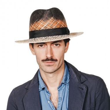 Edan sombrero de hombre Fedora en color crean degradado con cinta negra. Fabricado en paja toquilla. Fernández y ROCHE