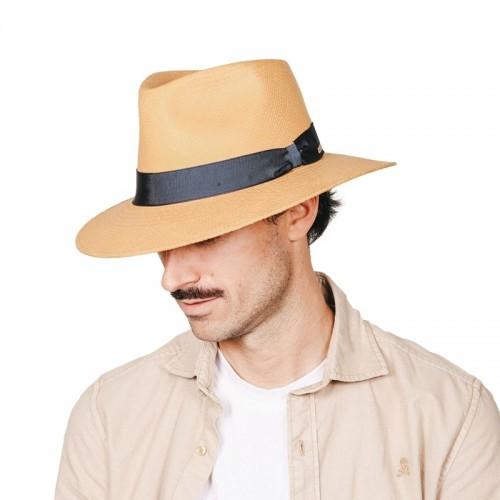 Tango sombrero panamá para el verano unisex copa safari en color habano y cinta azul. Fernández y ROCHE