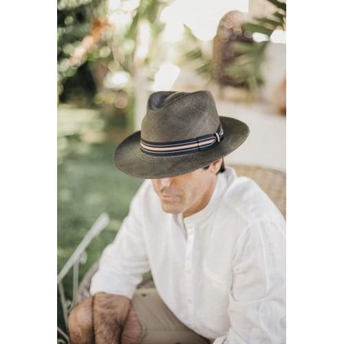 sombrero-hombre-panama-kevin-paja-toquillera-verde-botella-Fernandez-y-Roche