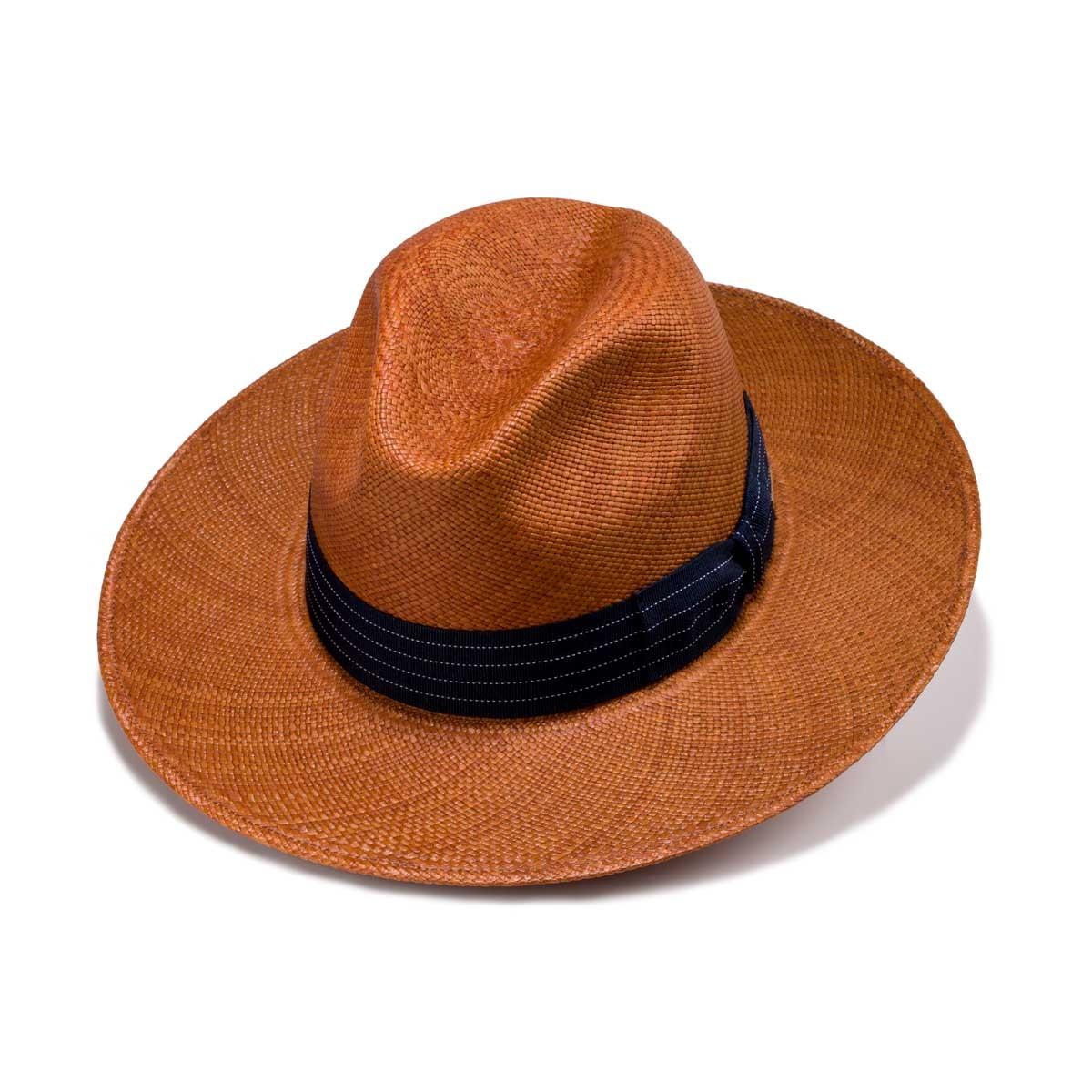 Alcoba sombrero panamá color caramelo y cinta grosgrain. Fernández y Roche