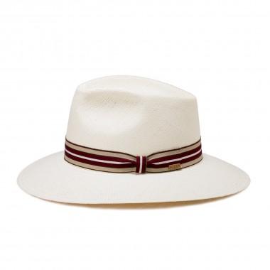 Man hat for summer Panama. Fernández y Roche